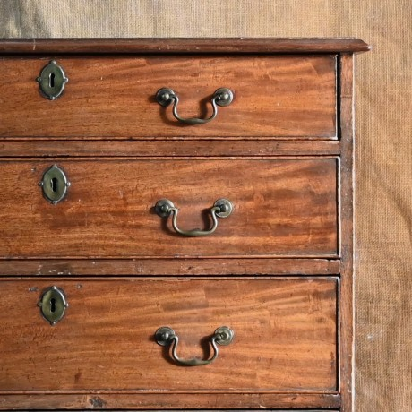 Late 18thC Mahogany Chest of Drawers