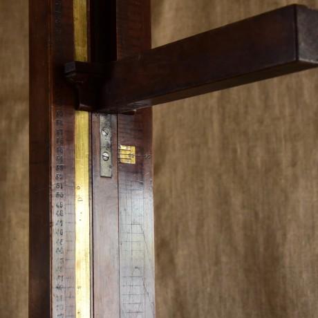 19thC Mahogany Measuring Stand.