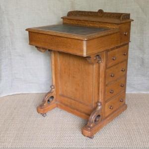 A late 19thC Oak Davenport